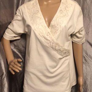 Ladies Size Medium Newport News Blouse